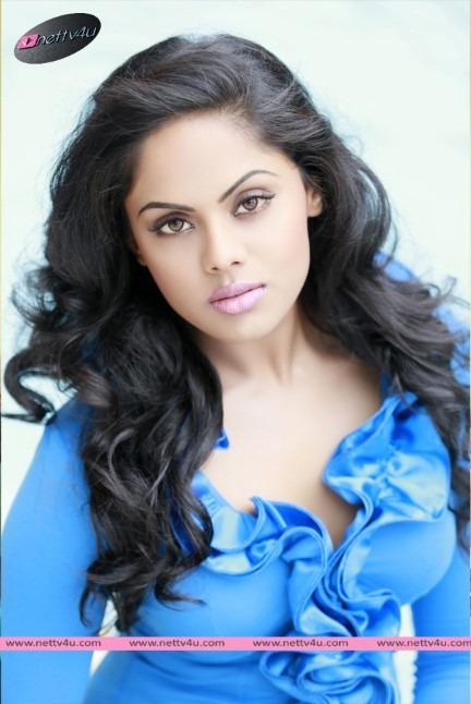 Tamil Actress Karthika Nair Hot Photo Gallery