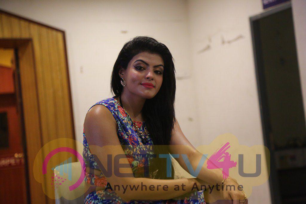 Tamil Actress Tejashree Press Meet Latest Stills