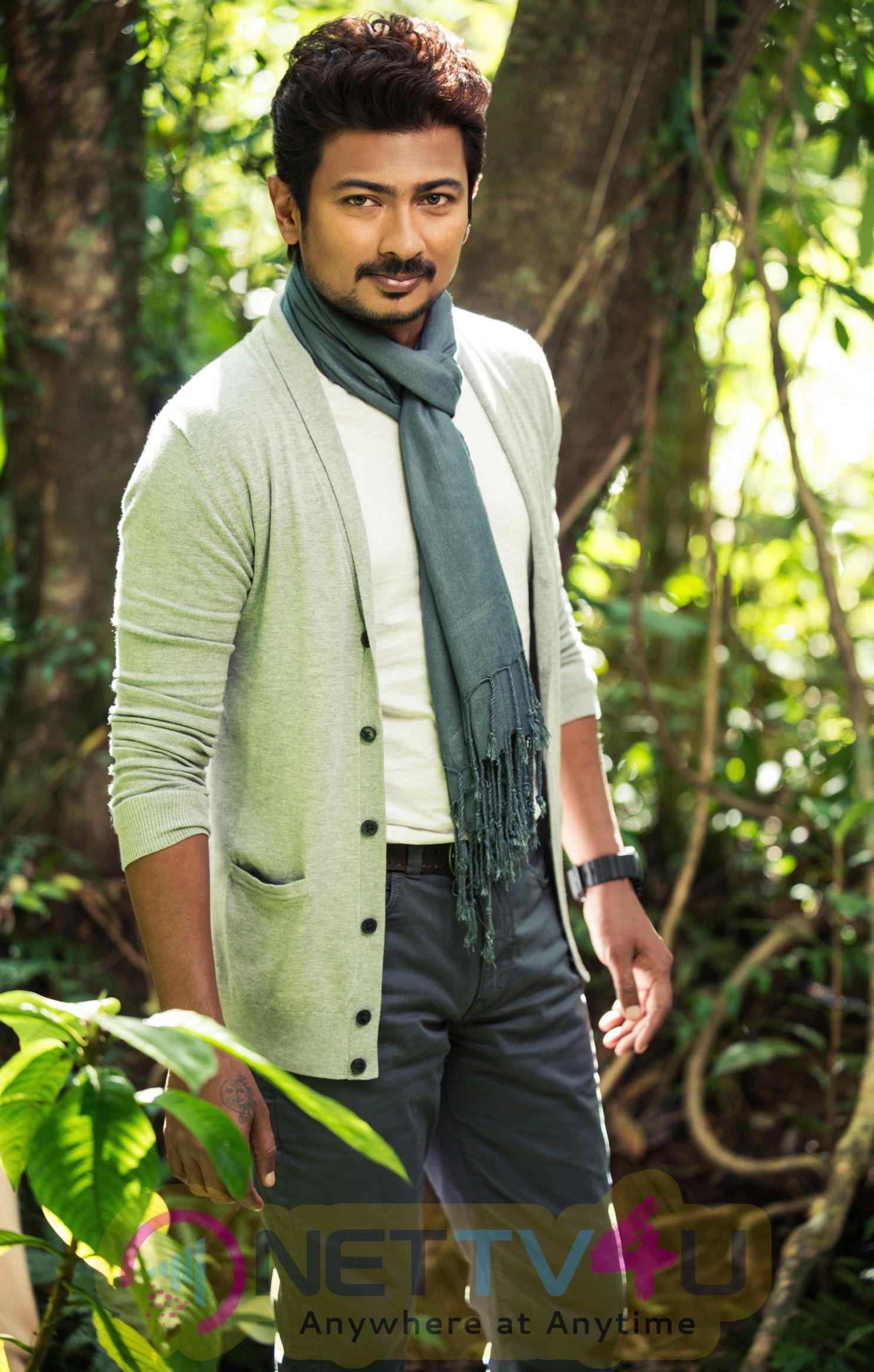 Tamil Movie Gethu Glamour Photos