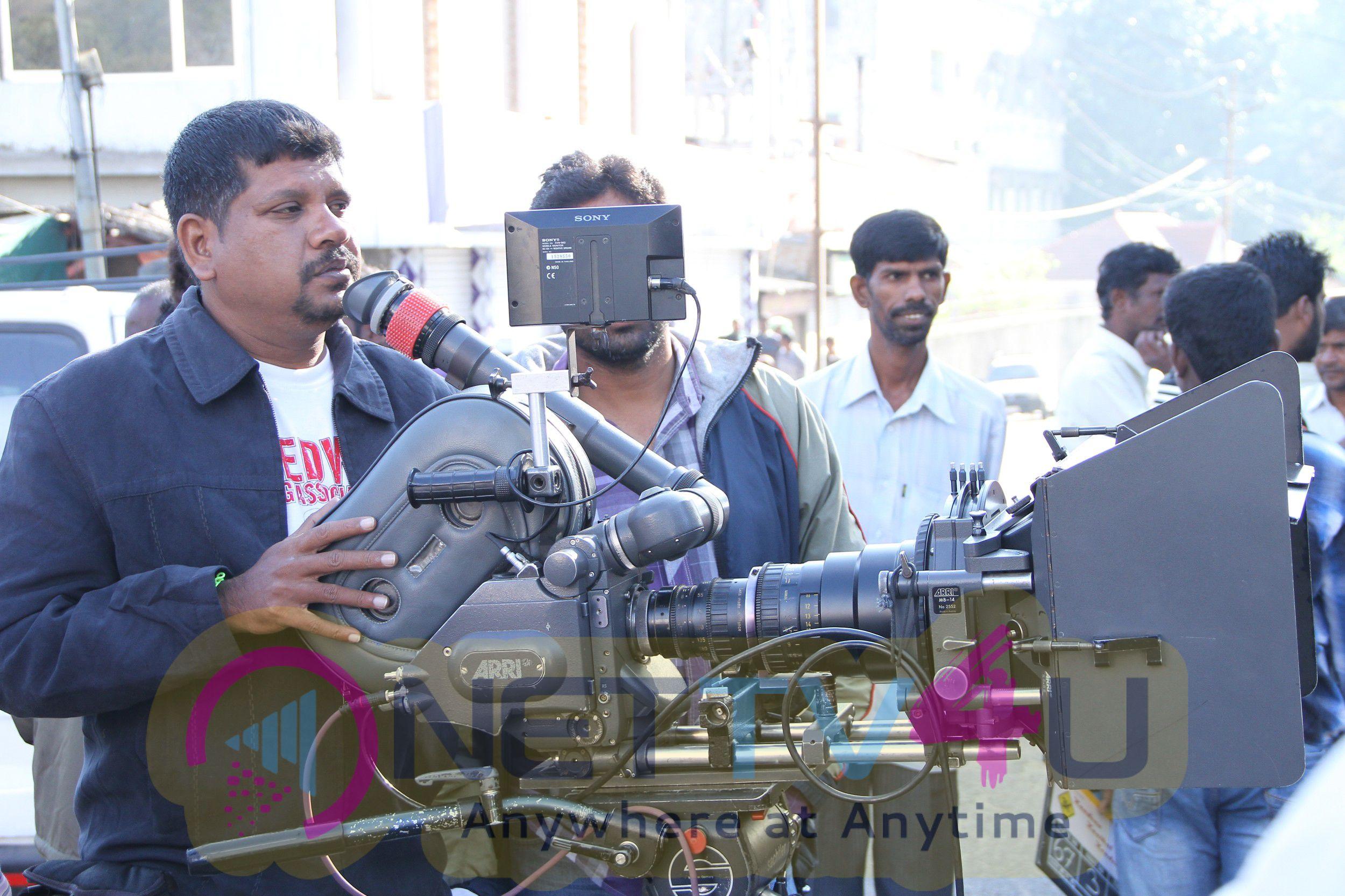 Tamil Movie Kandaen Kaathal Kondaen Working Latest Stills