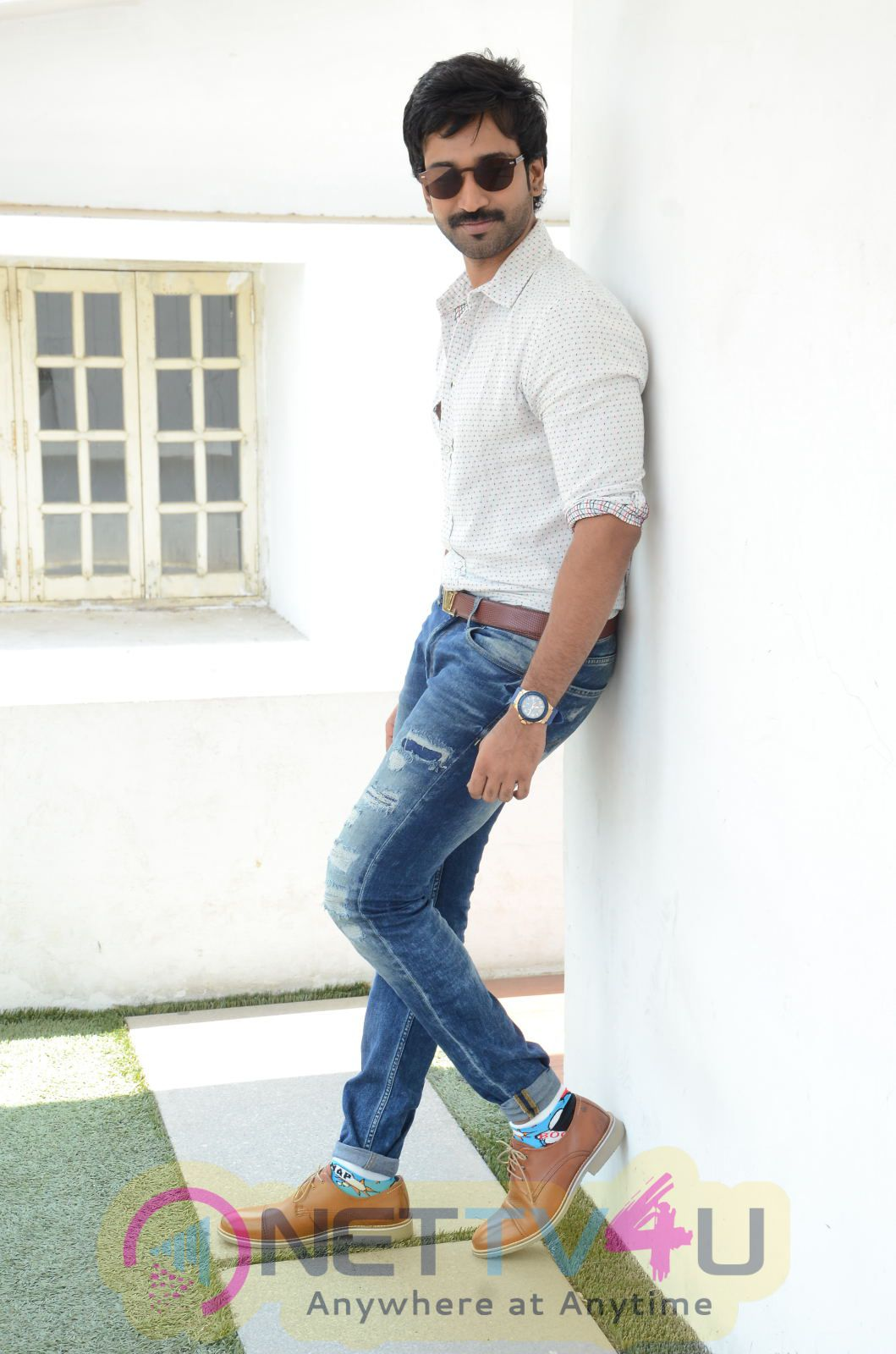 Telugu Actor Aadhi Pinisetty Exclusive High Quality Photos