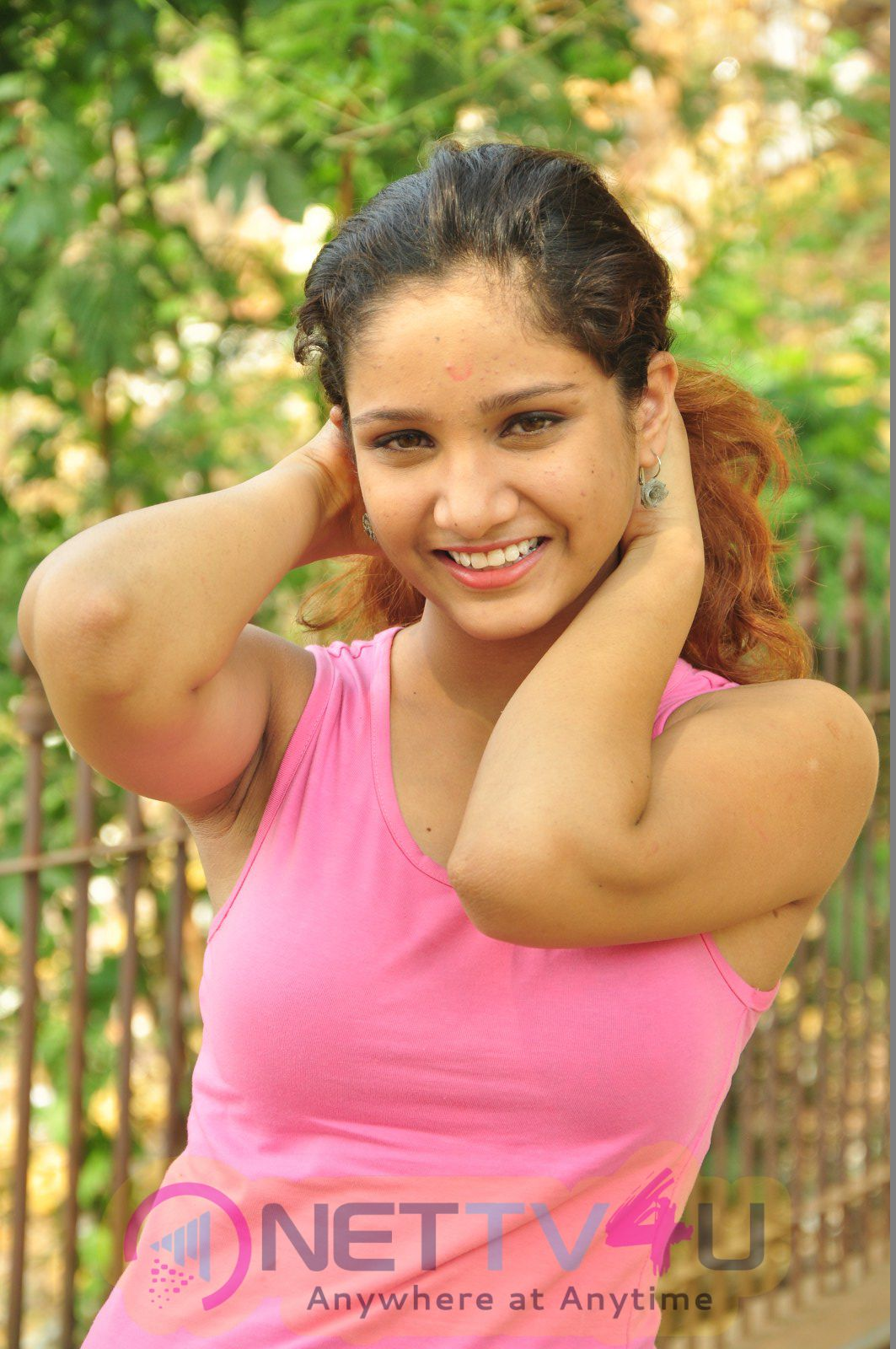 Tamil Actress Oviya Latest Exclusive Photos