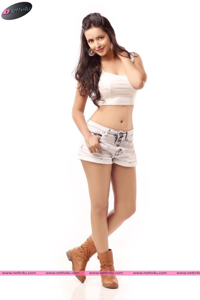 Telugu Actress Rekha's Latest Hot Pictures