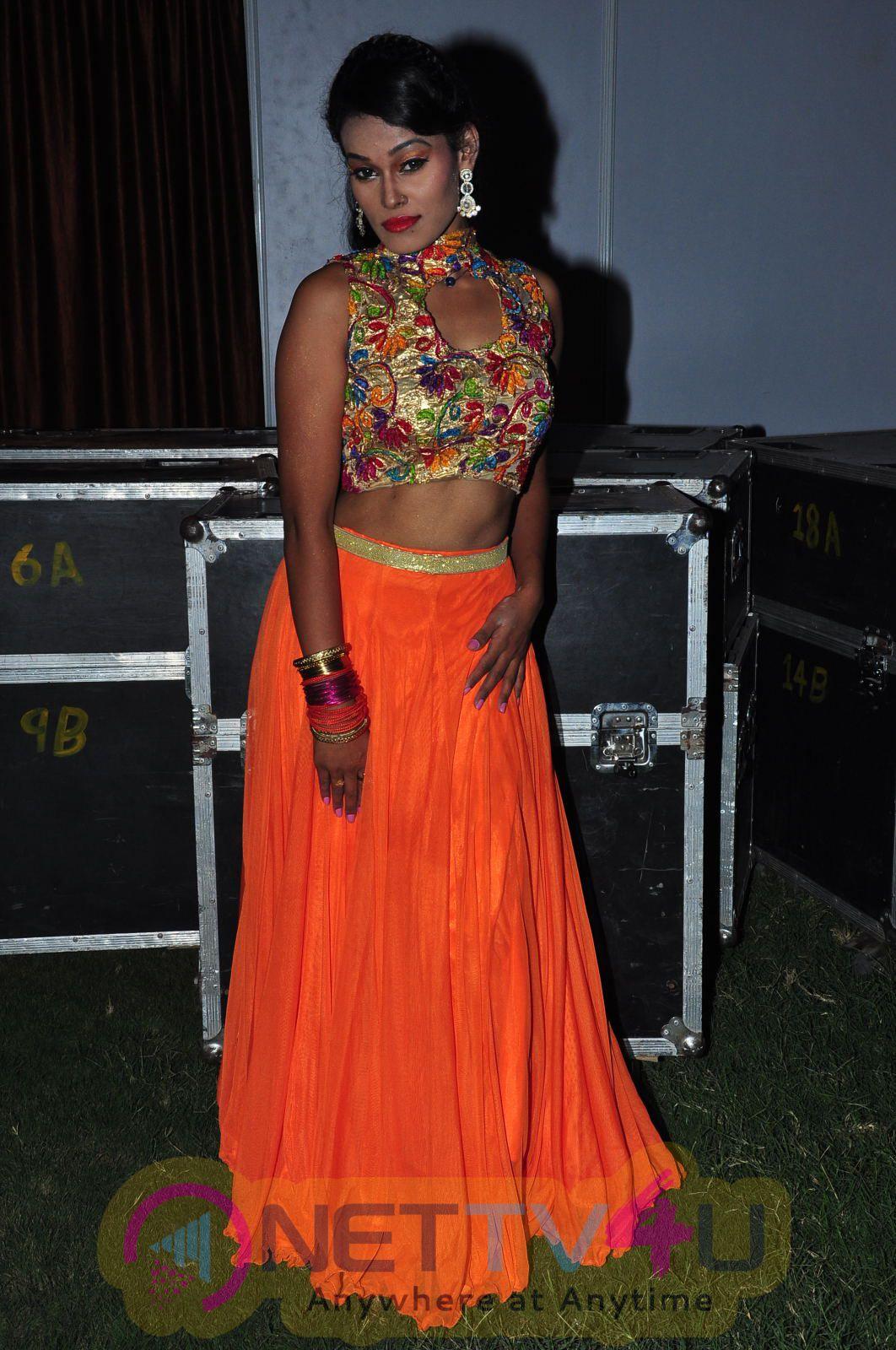 Telugu Item Dancer Nisha Hot Stills