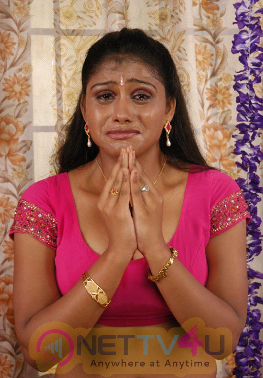 Thalapulla Tamil Movie Hot Photo Shoot Images