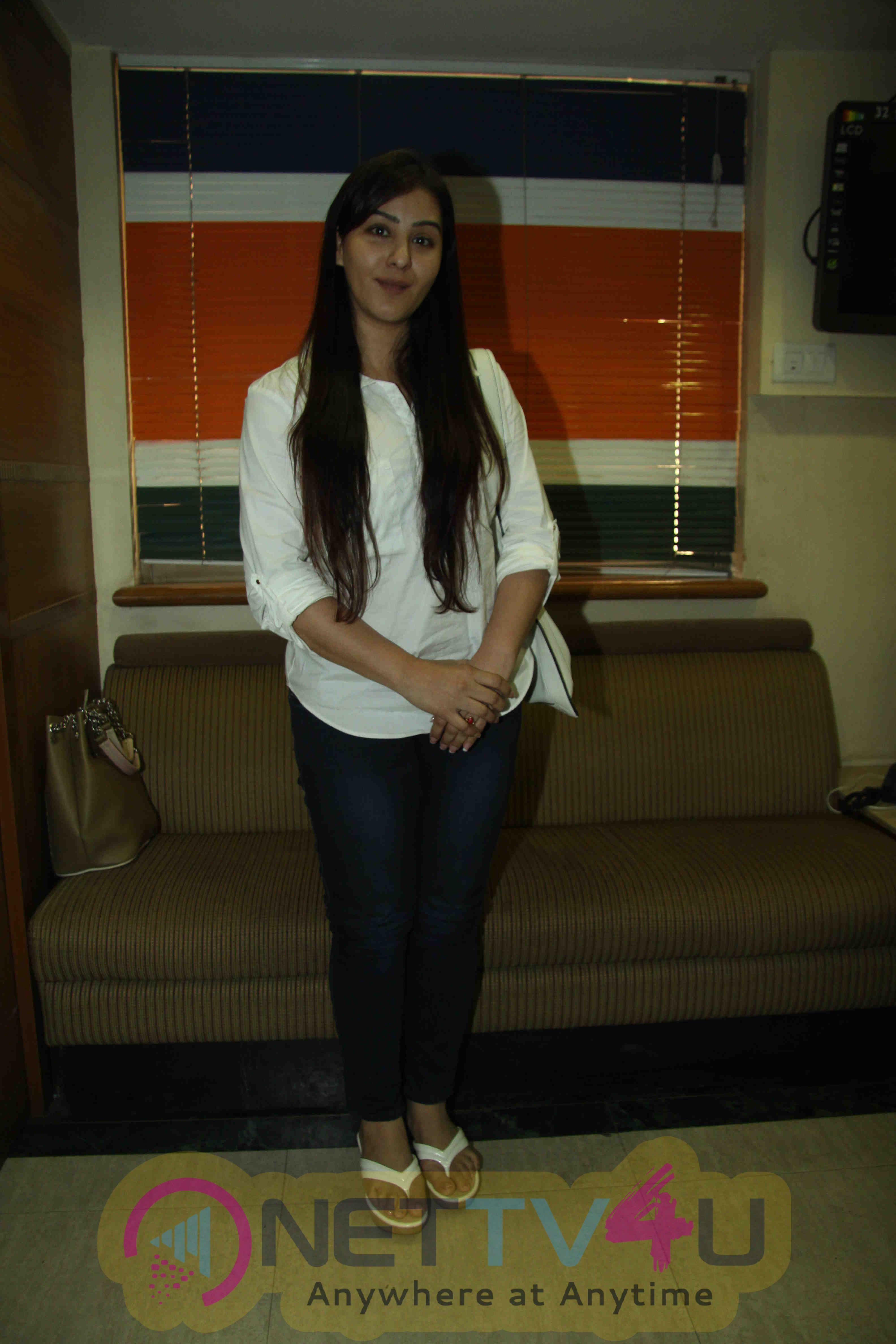 TV Actress Shilpa Shinde Press Conference Stills Hindi Gallery