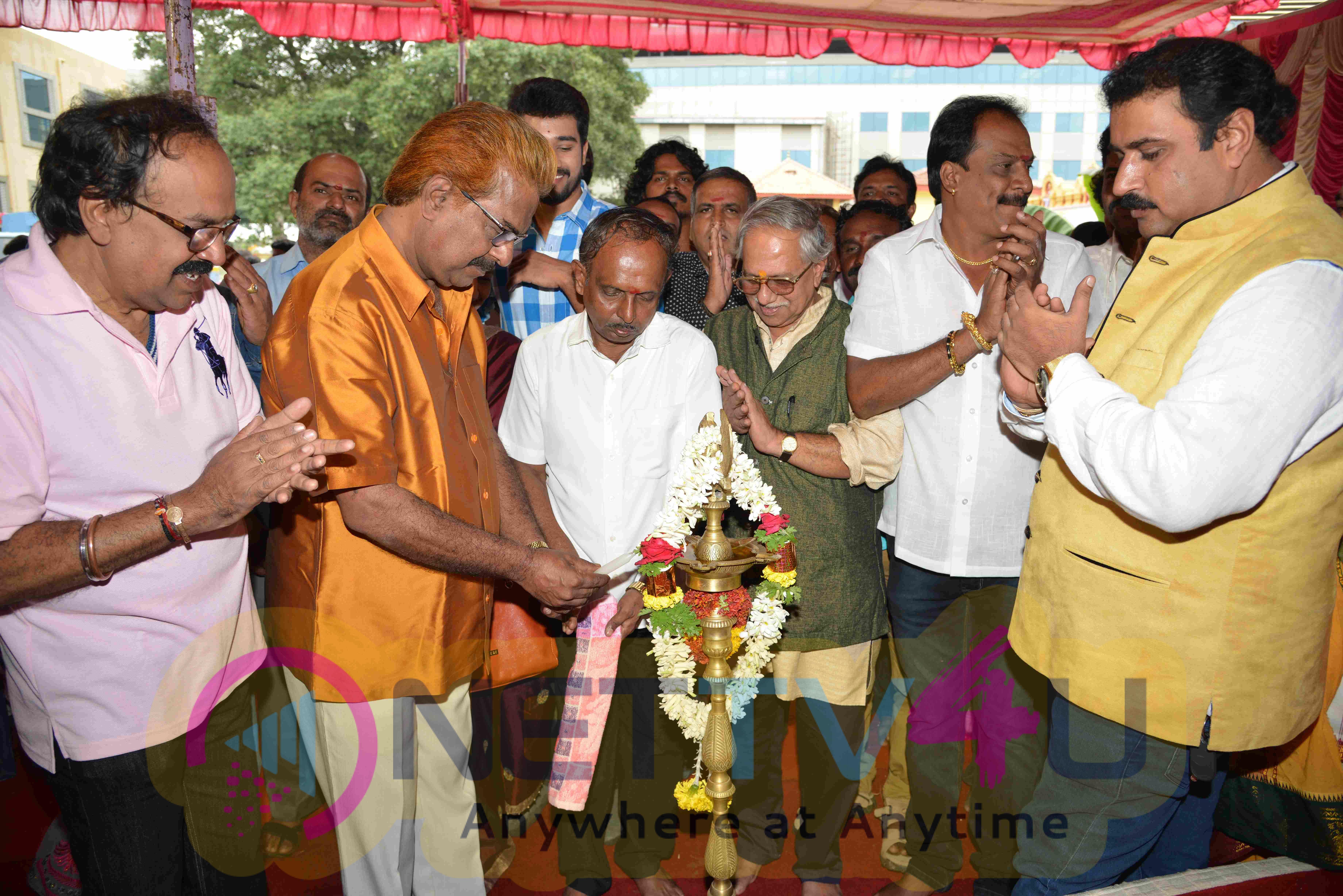 Vicky Kannada Movie Launch Exclusive Stills