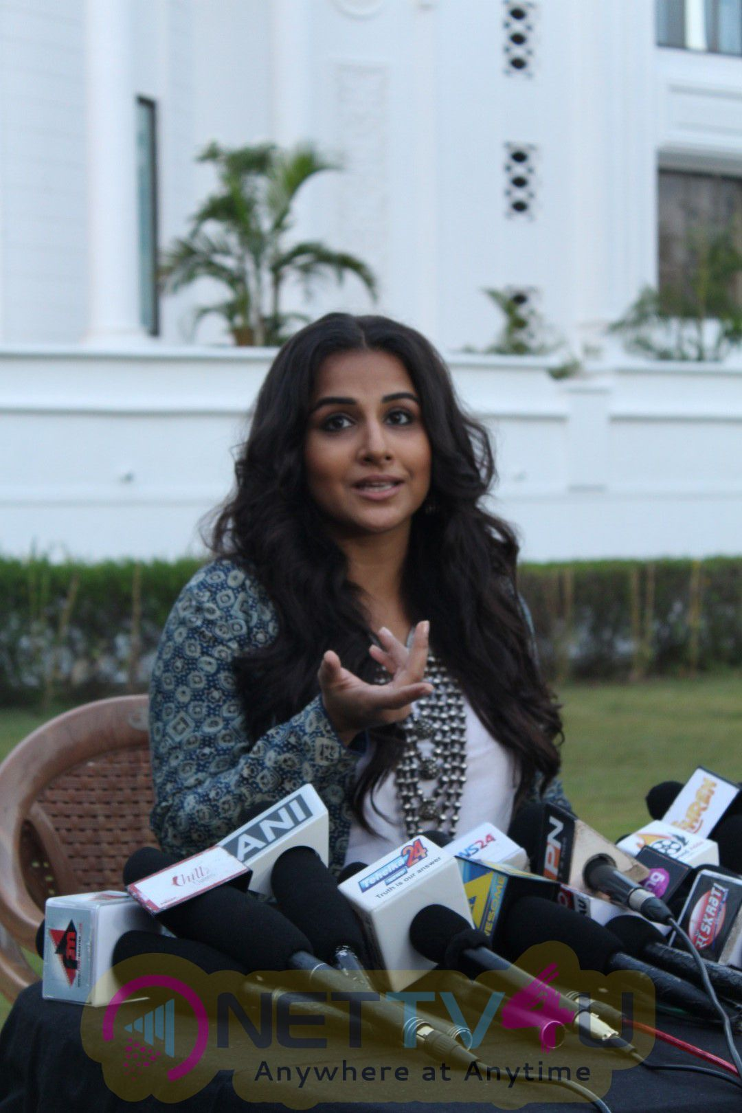 Vidya Balan Shoot Savdhaan India Promotion Episode For Movie Kahani 2 Photos