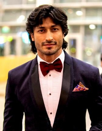 Vidyut Escaped Unhurt In A Fight Sequence!