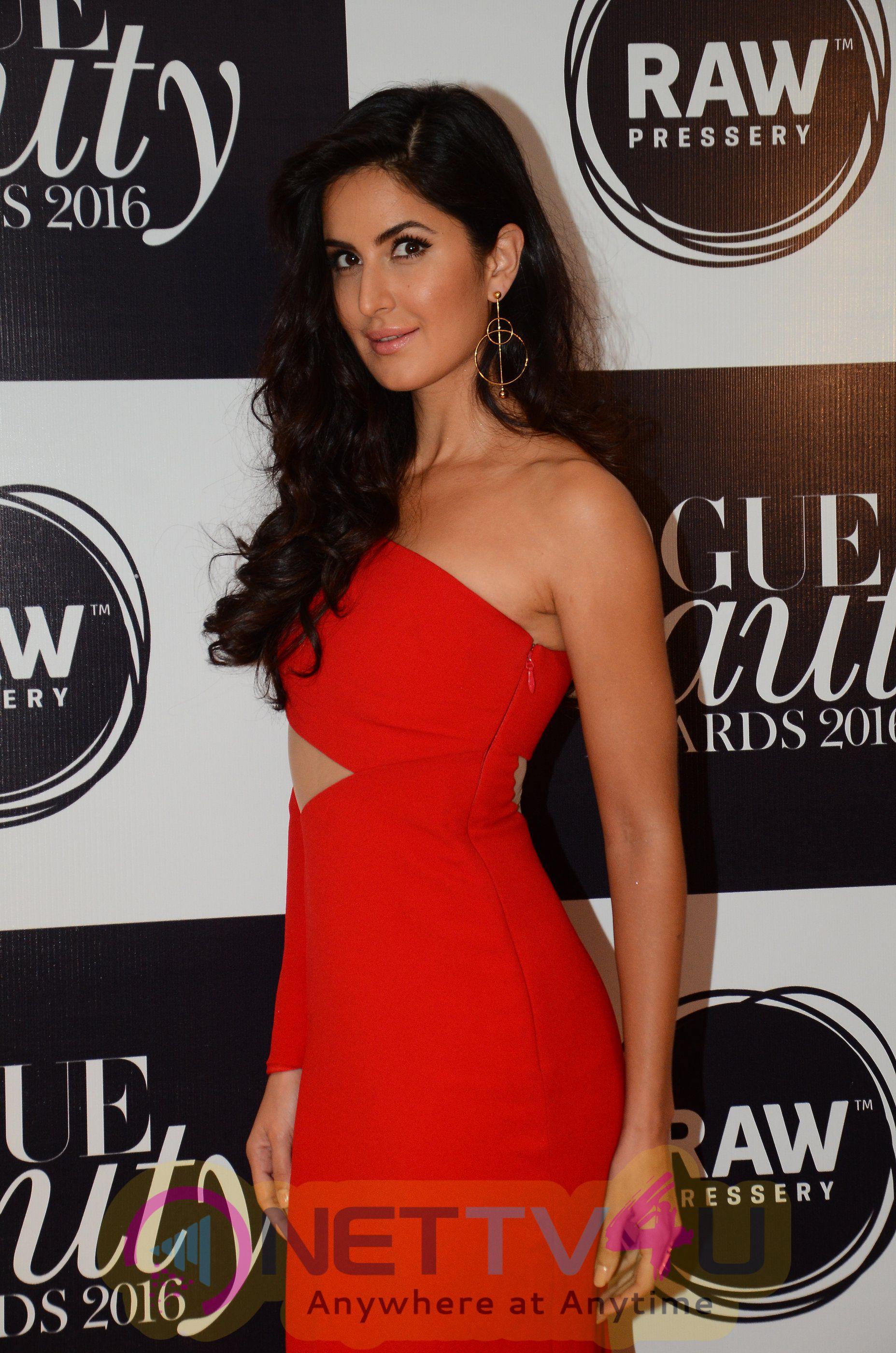 Vogue Beauty Awards Statuesque Stills Hindi Gallery