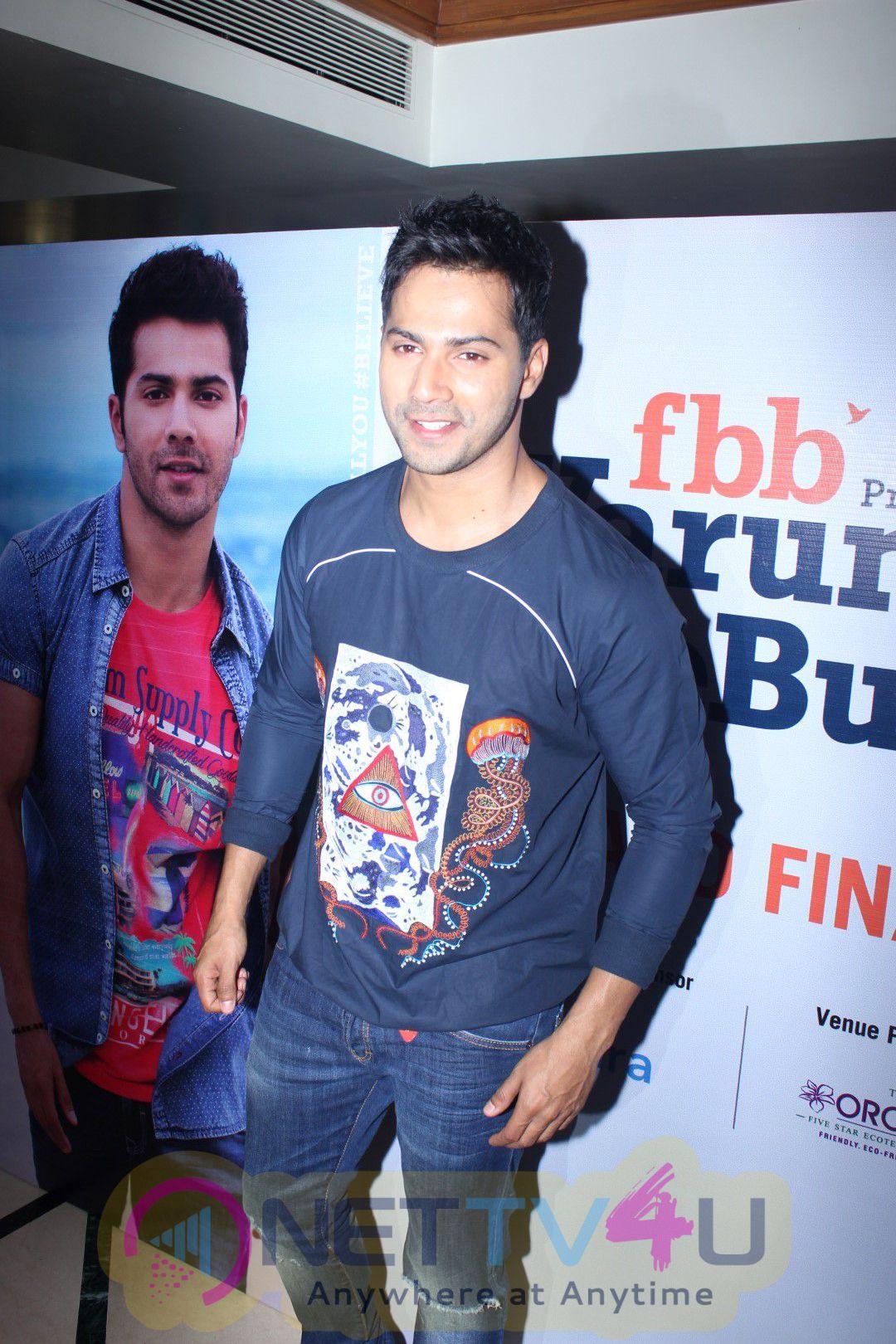 Varun Dhawan  Fashion At Big Bazaar Stills