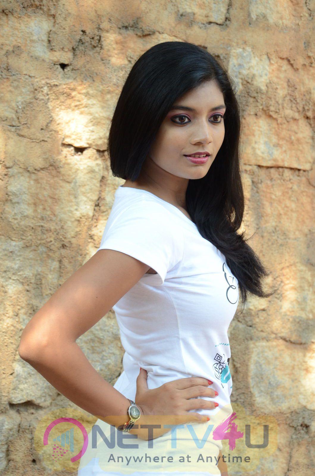 Veda Enterprises Production No-2 Opening- Bindu Barbie, Karunya Photos