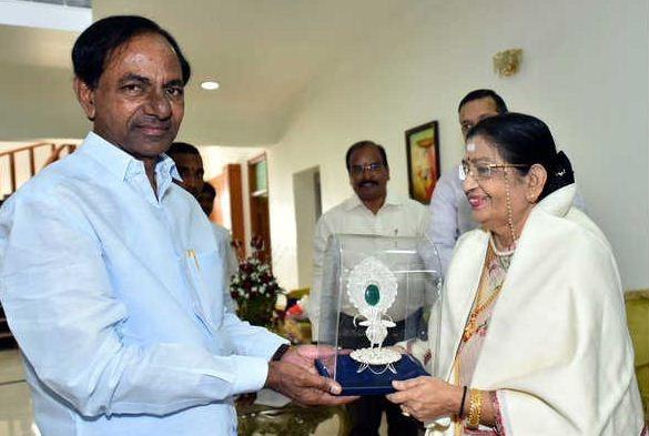 Veteran Singer Susheela Honored By Telangana CM..