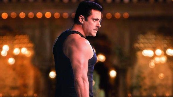 Visual Treat For Salman Khan Fans With His Dual..