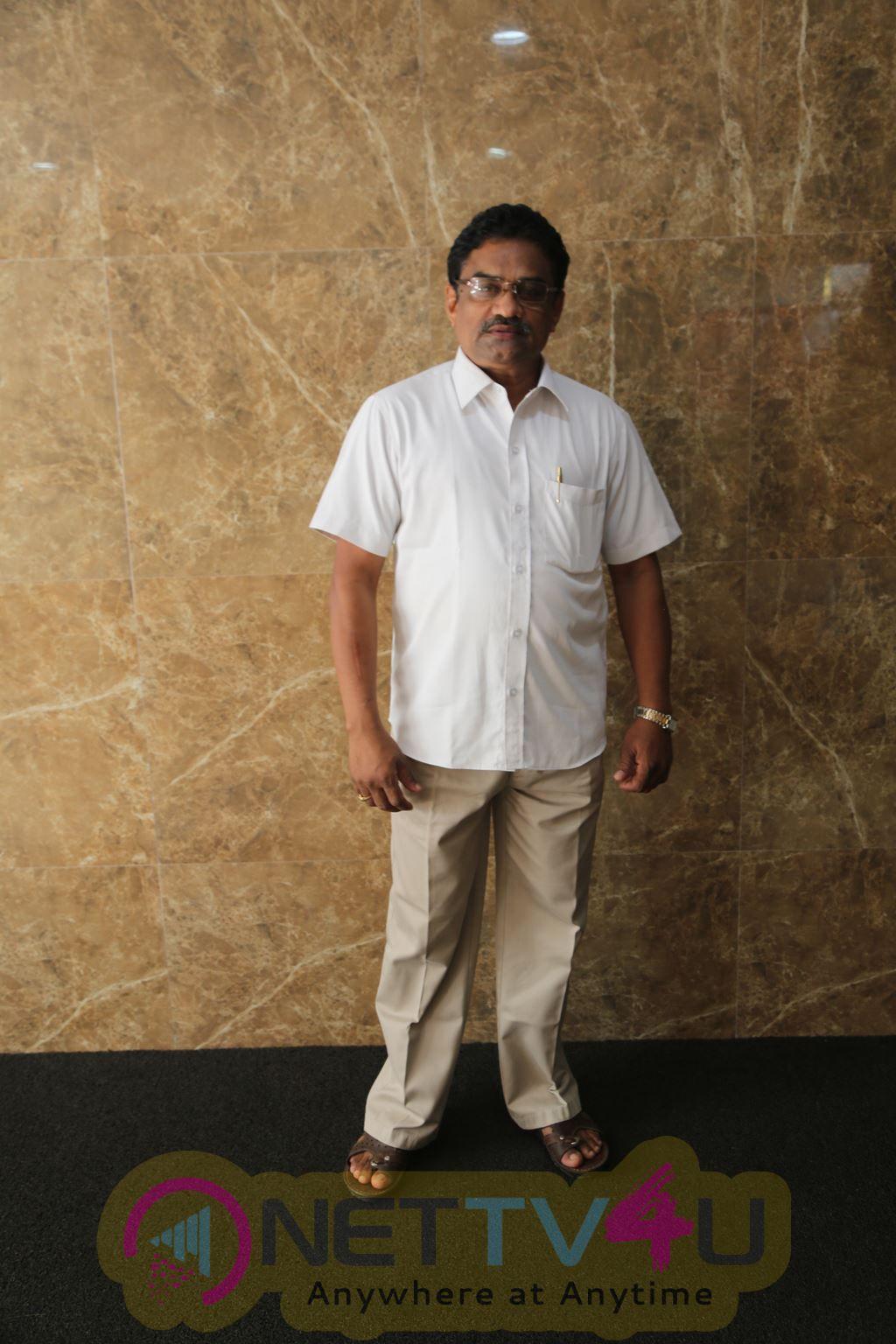 Writer And Director Rathnakumar Press Meet Regarding Kutra Parambarai Issue Stills