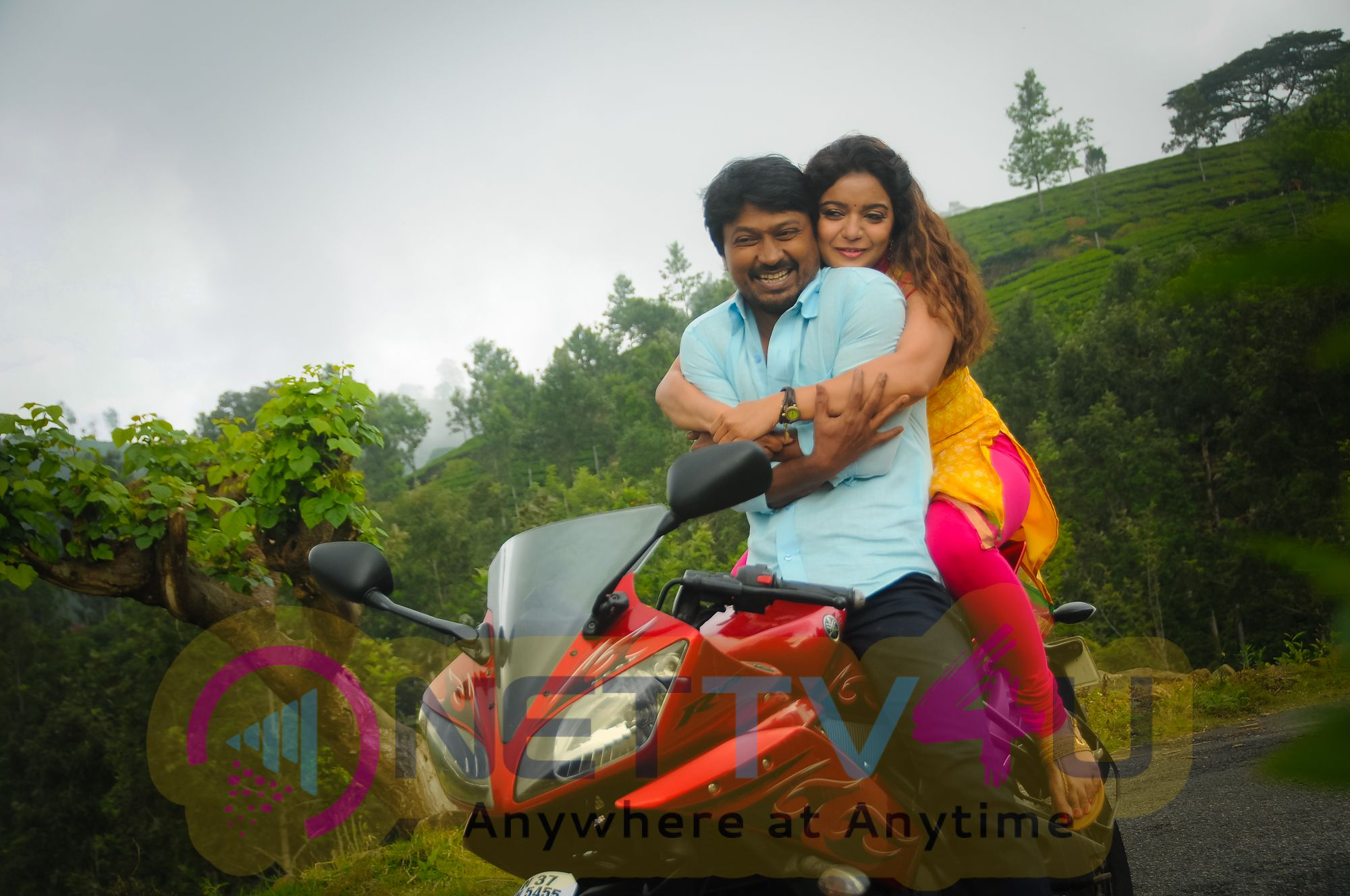Yaakkai Tamil Movie Press Release Stills