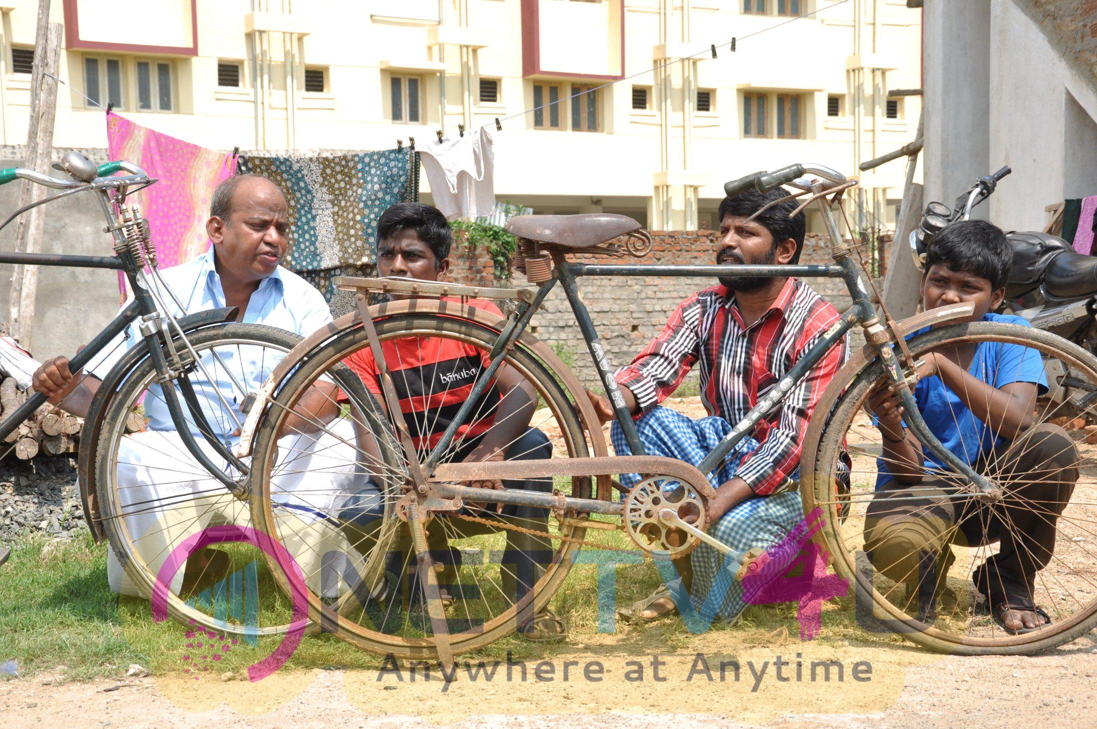 Yaanai Mel Kuthirai Savaari Movie Working Stills