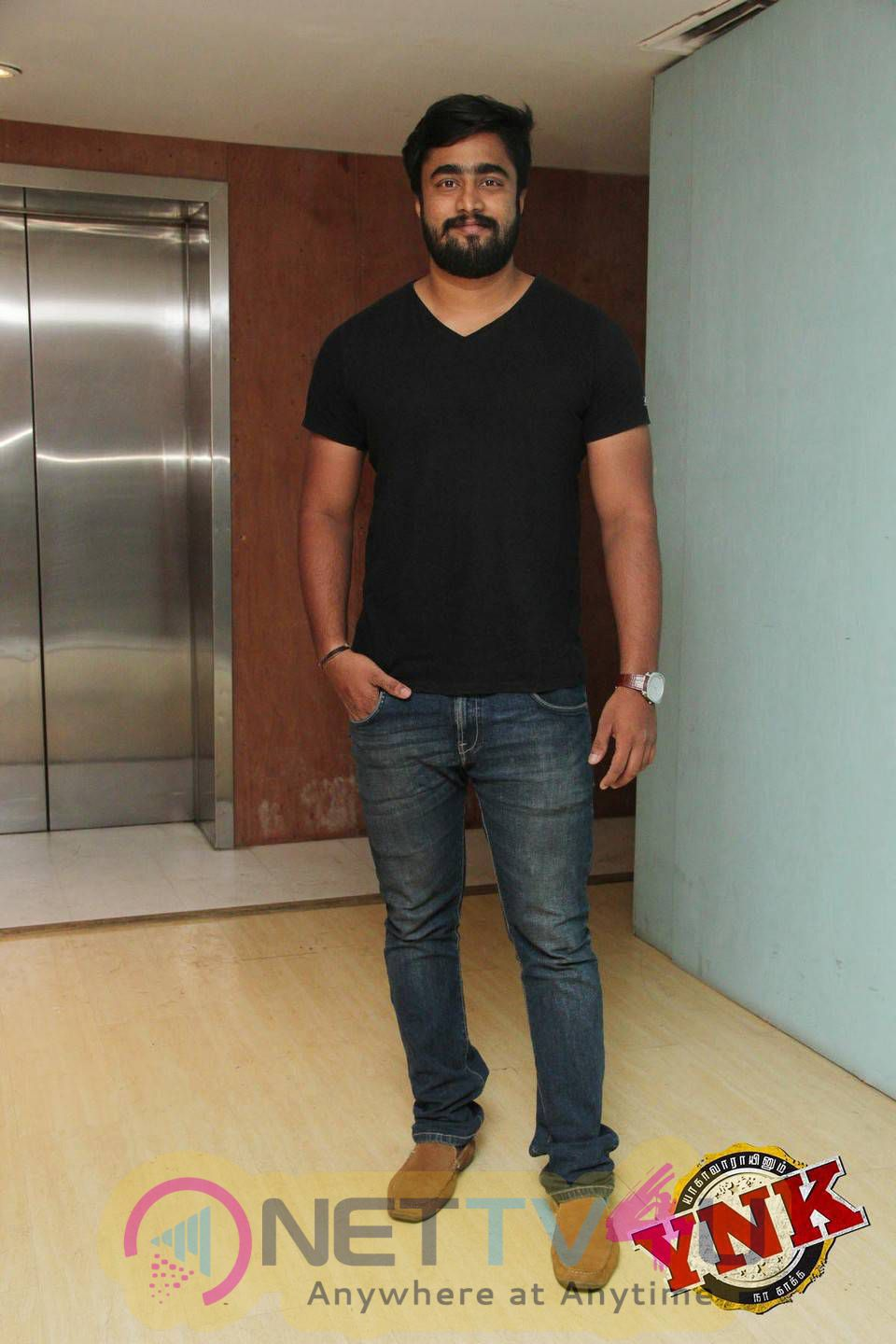 Yagavarayinum Naa Kaakka Tamil Movie Team Meet Stills